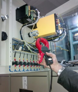 Motor current signal is acquired using current clamps